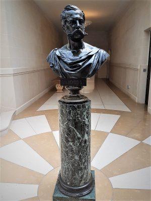 la statua dello zar Alessandro II